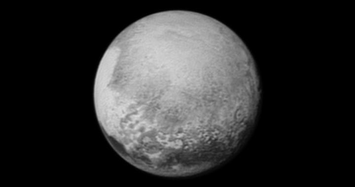 Pluto aus 2,6 Millionen Kilometern Entfernung